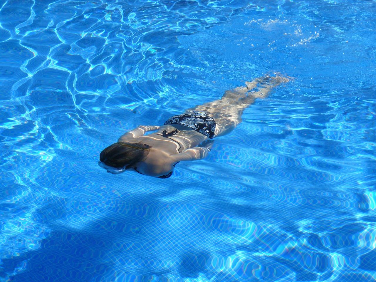 pływanie, lato, na ogrodzie
